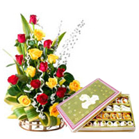 Stunning colorful Roses with appetizing Sweets