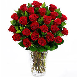 Sweet Surprises Bunch of Red Roses in a Glass Vase