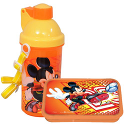 Eye-Catching Kids Essential Mickey Tiffin Set