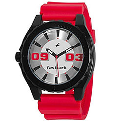 Sporty looking gents watch for adventurous people from Titan fastrack.