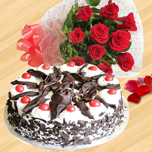 Beautiful Red Roses Bunch with Black Forest Cake