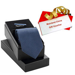 Magnificent Combo Of Mainland China Gift Voucher Worth Rs1000 And Tie Tiepin