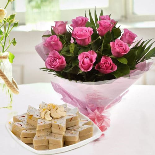 Lovely Pink Roses Bouquet with Cut-out Kaju Katli