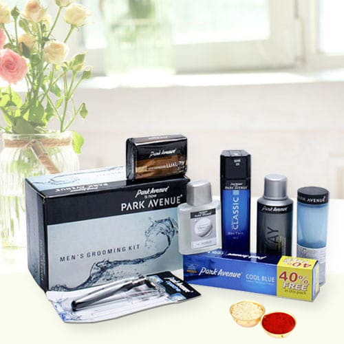 Exclusive gift pack from Park Avenue with free Roli Tilak and Chawal