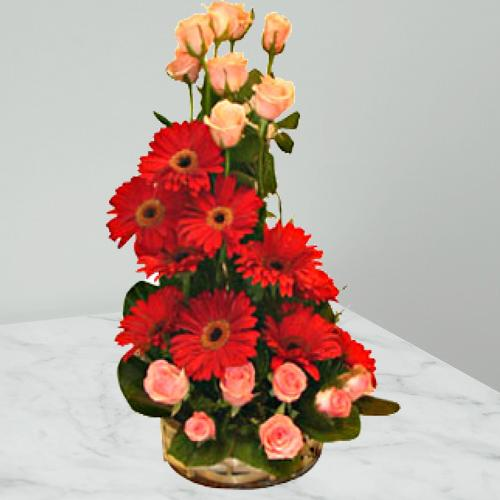 Fabulous Arrangement of Roses N Gerberas
