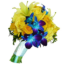 Appealing Bouquet of Mixed Flowers