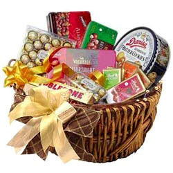 Amazing Snacks Gift Basket