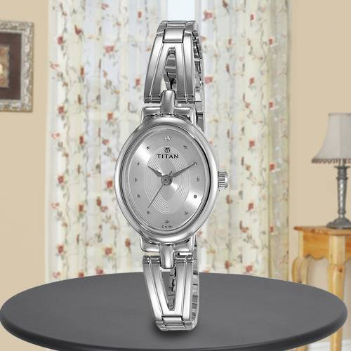 Marvelous Titan Karishma Revive Analog Womens Watch